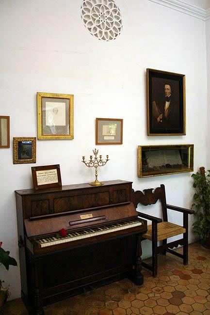 Piano de Chopin en la Cartuja de Valldemossa . © Paco Bellido, 2007