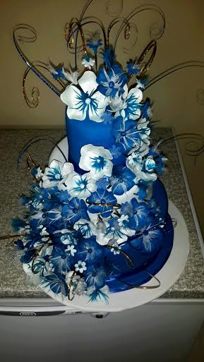Whimsical Flower Cake by Magdél Murray of Della's Hot Cakes