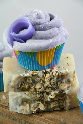 Lavender Oatmeal Cupcake Soap - The Daily Scrub (6)