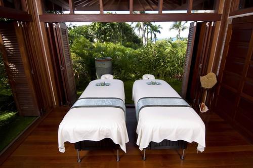Kapalua Spa_Hale Treatment Room, Photo Courtesy of Kapalua Spa