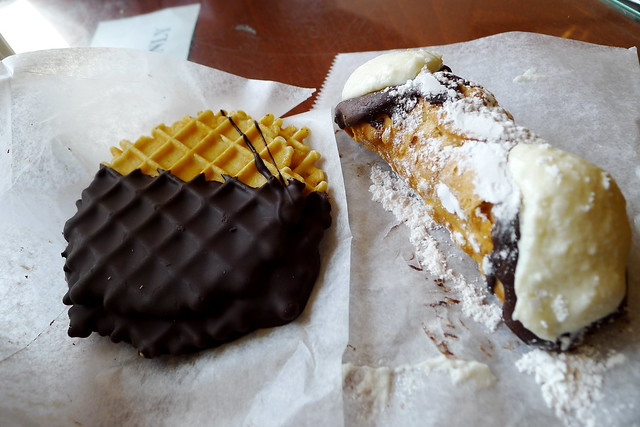 pizzelli & cannoli