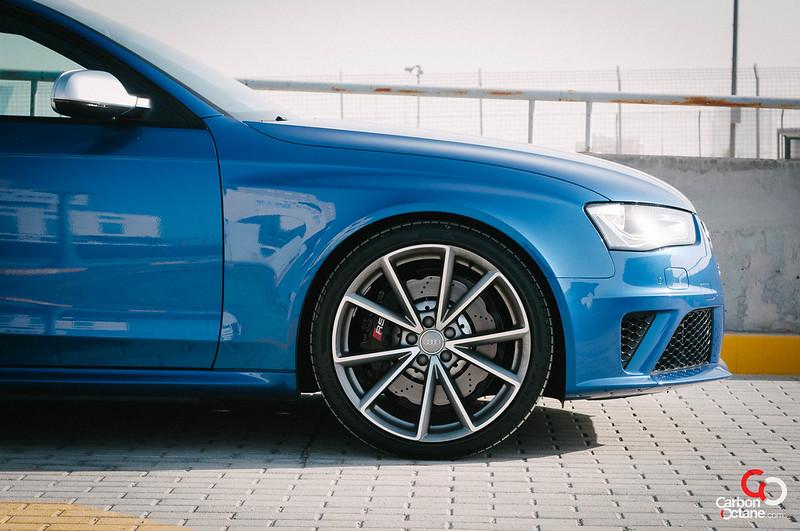 2013-Audi-RS-4-2.jpg