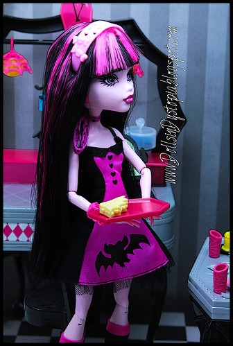 Can I Take Your Order by DollsinDystopia