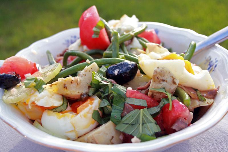 9444181009 642a643e1f c Salade niçoise de Simon Hopkinson