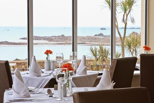 Ommaroo Hotel Dining Room