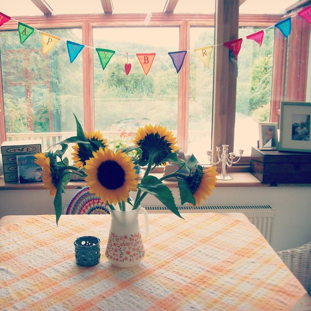 birthday sunflowers, Fujifilm FinePix J40
