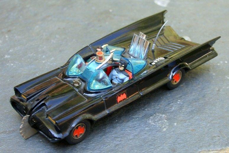 batman_Corgibatmobile2