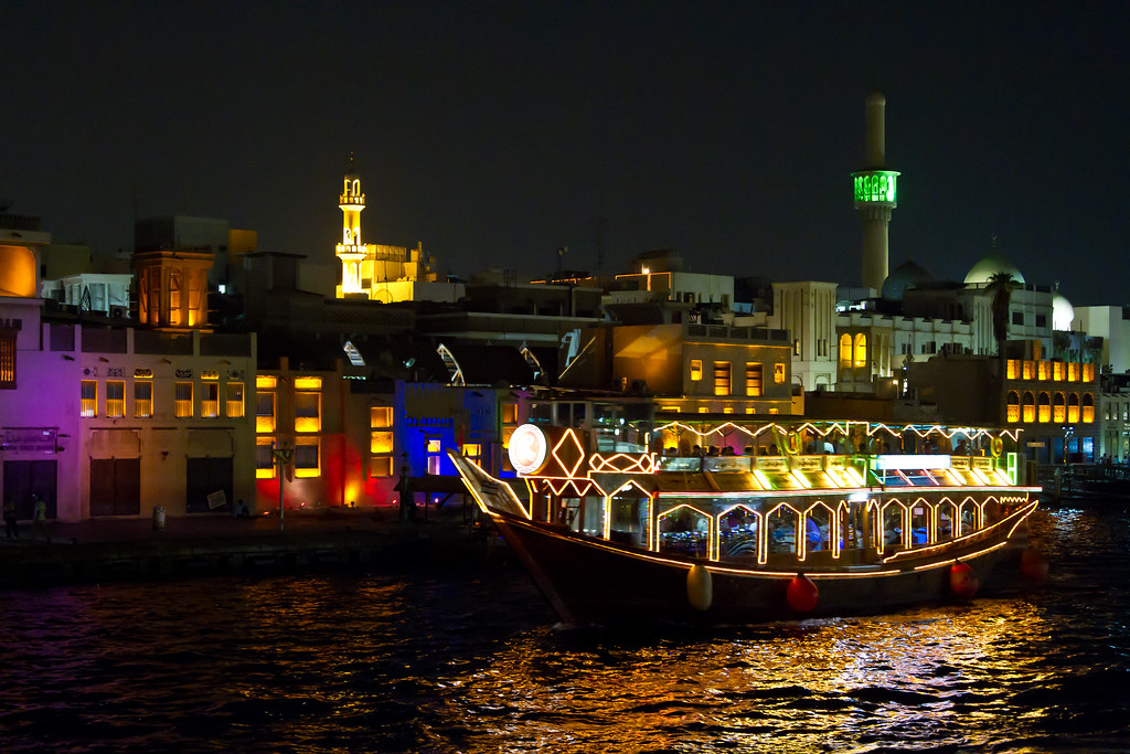 5 things you can look forward to when taking Dhow Cruise Dinner