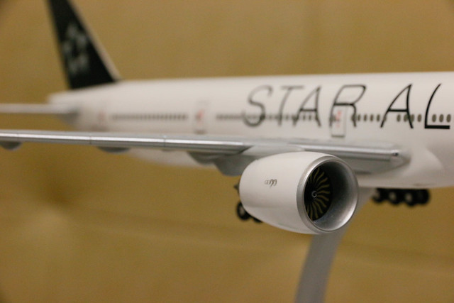 長榮 EVA Air Star Alliance Livery 777-300ER 模型開箱  GE引擎