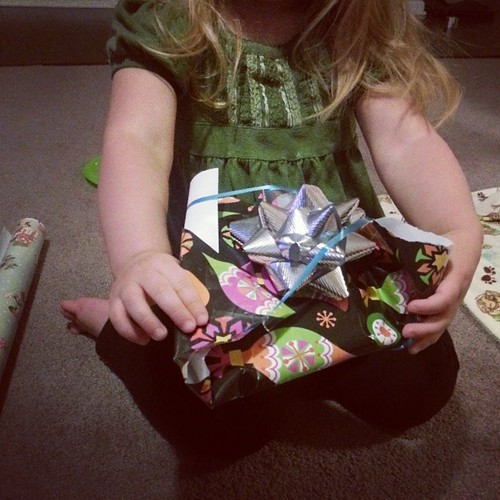 Vivi wrapped a plastic plate for you, not to spoil it - but she's wrapping bubble wrap next.