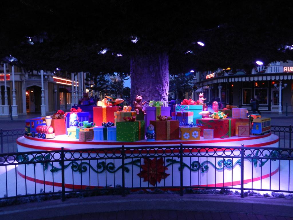 Un séjour pour la Noël à Disneyland et au Royaume d'Arendelle.... - Page 2 13643650894_2d02b1e10a_b