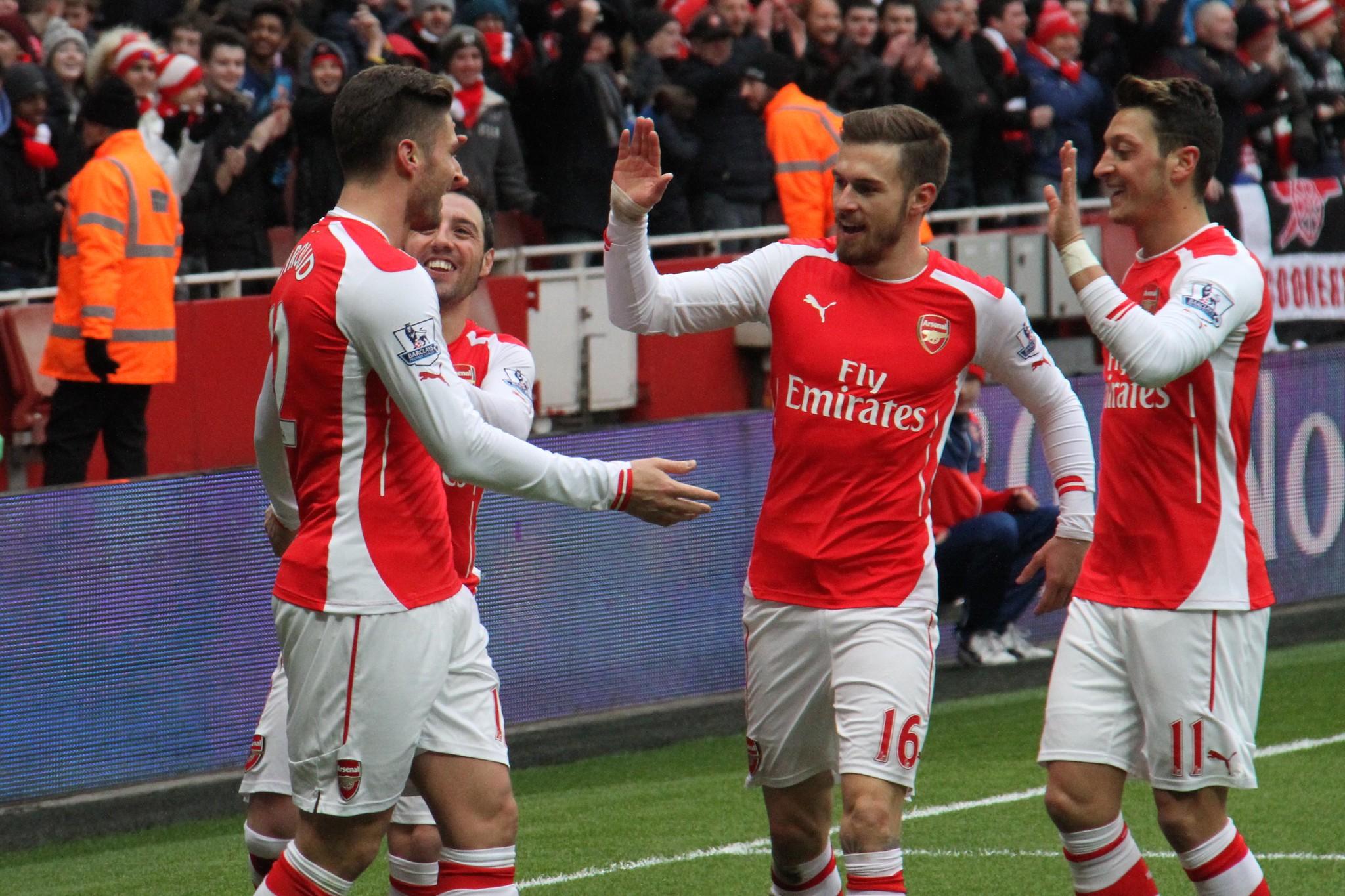 Giroud celebrates his goal 1