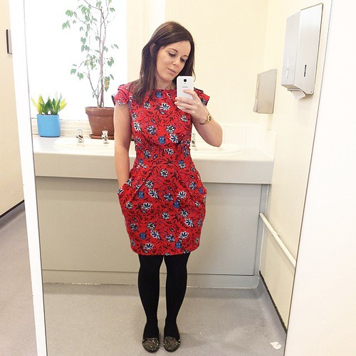 First outing for my new frock for Friday's #ootd. Tap for brands �� #lbloggers #bloggers #clawhand #fbloggers #outfit #gpoy #workwear #wiwt #fridayfun