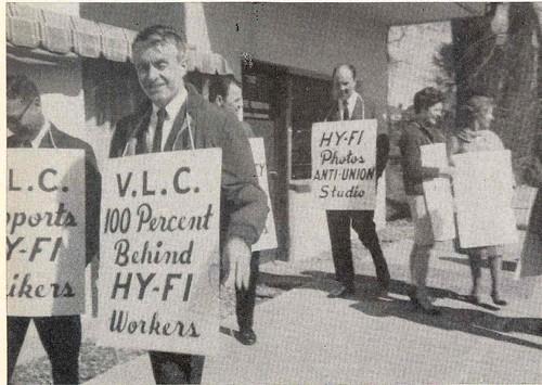 People in Street with Signs Vancouver 1969 / Gens, dans la rue, avec des affiches (Vancouver, 1969)