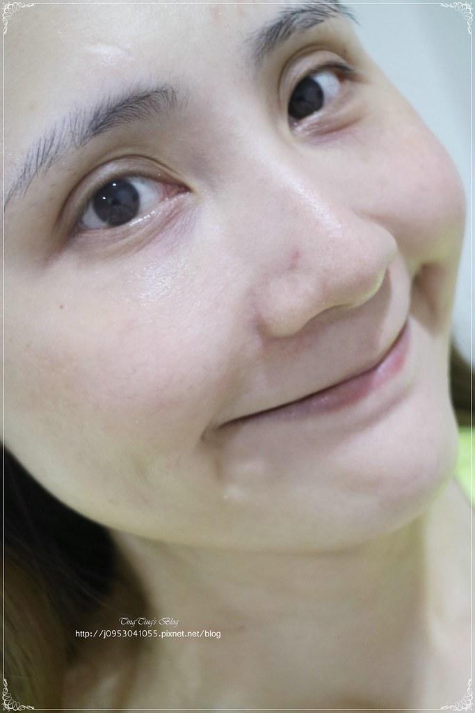 法蘭西娜玫瑰保濕美嫩白化妝水 (7)
