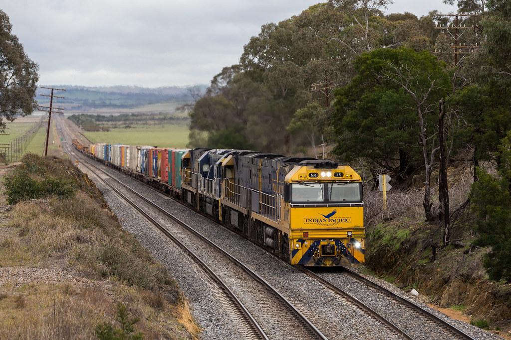 2016-06-23 Pacific National NR25-NR81-8210-NR89 Parkesbourne Road 5MW2 by Dean Jones