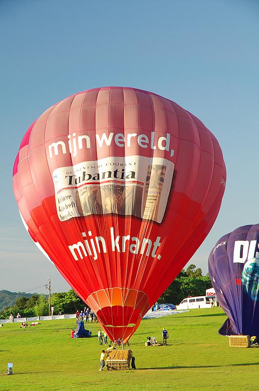 今年也去看熱氣球了但也是好熱啊!!