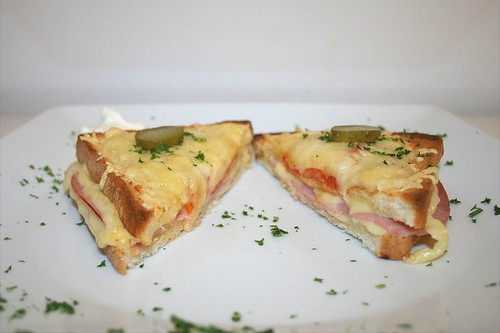 21 - Croque Monsieur - Seitenansicht / Side view