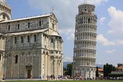 la gran torre inclinada de pizza