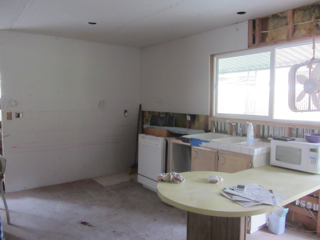 the drywall goes up