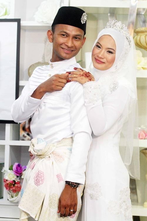 Gambar Penyanyi Black Selamat Bernikah Dengan Chira Khairi