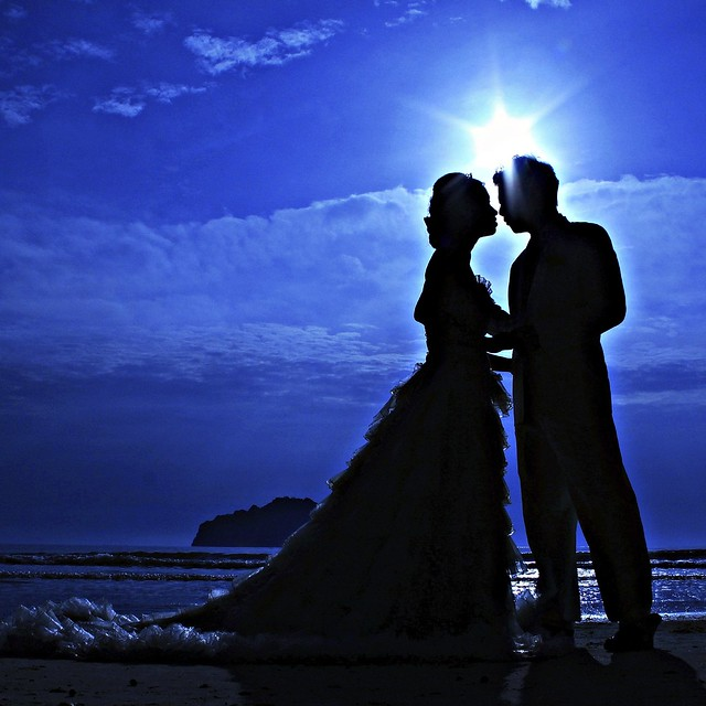 silhouette couple love and romantic flickr   photo sharing
