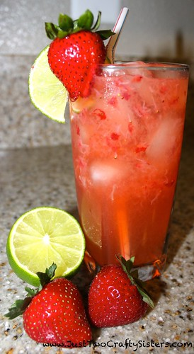Summer Cocktail- Strawberry Lime Spritzer