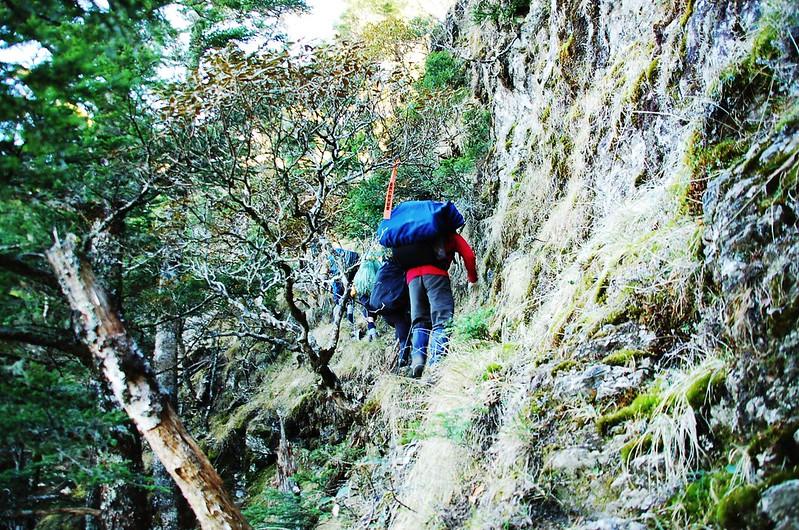 攀越無明斷崖 2