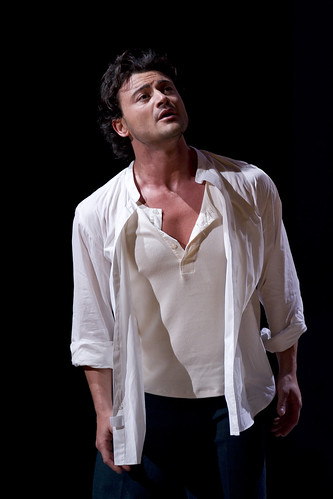 Vittorio Grigolo in action.