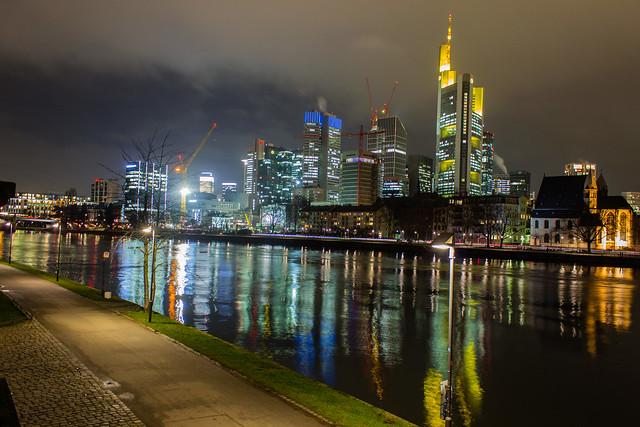 Frankfurt Skyline & River