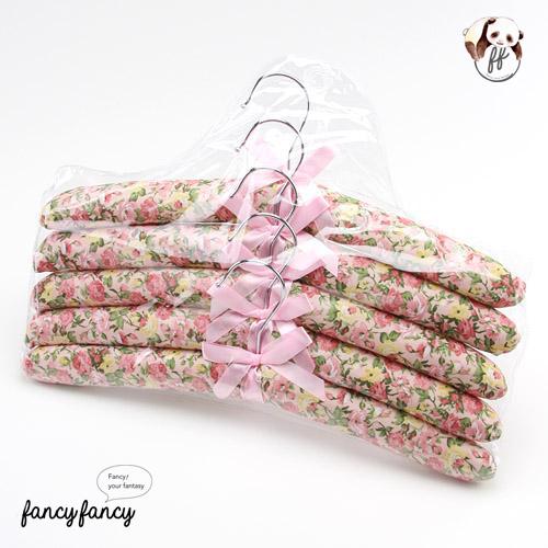 88.粉黃玫瑰緞帶蝴蝶結布質衣架(一組五支)