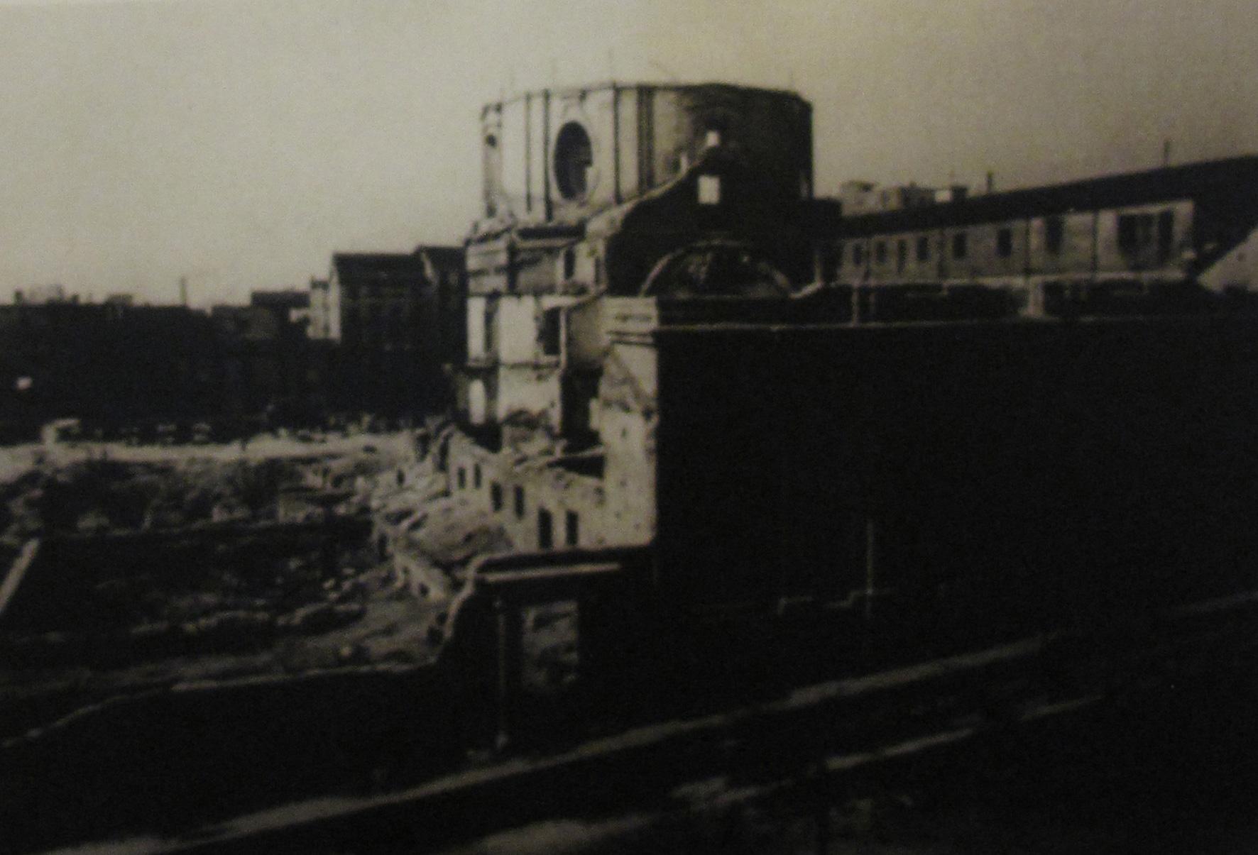 escuelas pias lavapies madrid_foto historica_fuente panel explicativo