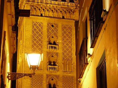 Sevilla por la noche (Giralda iluminada)