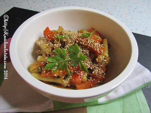 ©Orientalische Möhrenpasta mit Aprikosen und Sesam