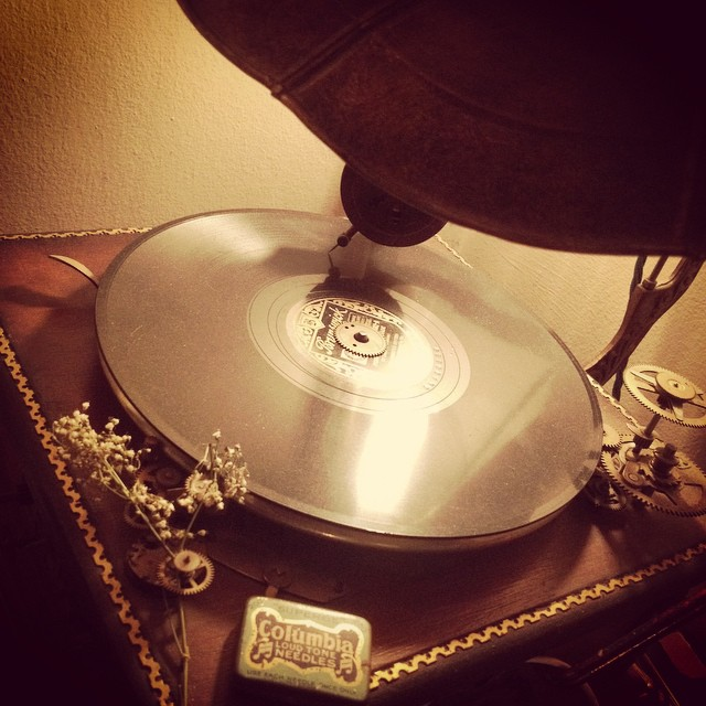 #record #gramophone #antique #steampunk