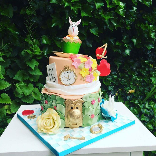 Alice in Wonderland Cake by Marlena Palenga
