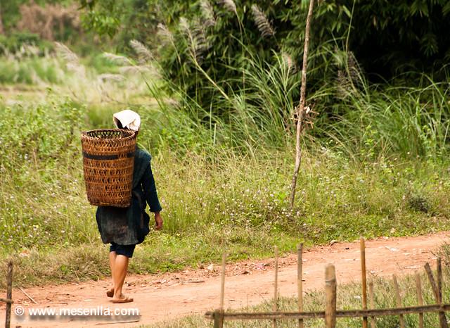 Mujer de la etnia Hmong en Luang Namtha