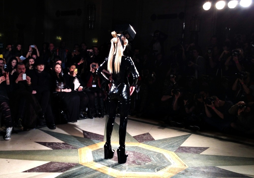 2013.05.18 - LFW - Pam Hogg autumn winter 2013 (18)