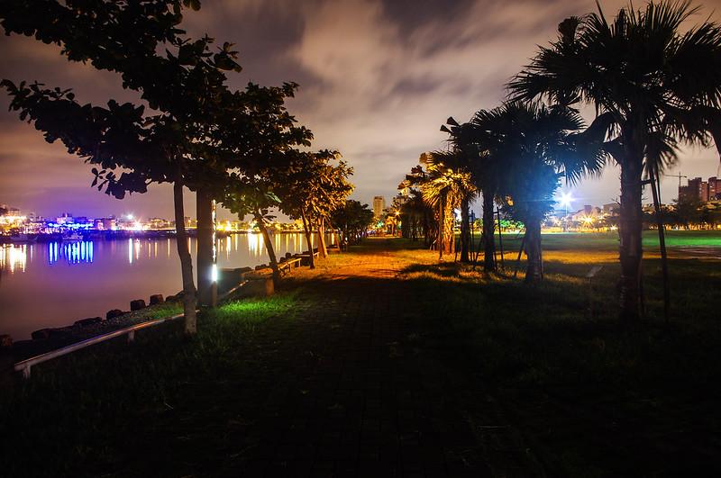台南 夜晚的林默娘公園
