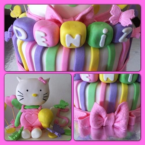 #hellokitty#birthdaycake #hellokittycake#sugarart #sugarpaste #sekerhamurlupastalar by l'atelier de ronitte