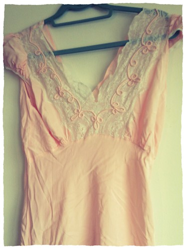 20s/30s nightgown