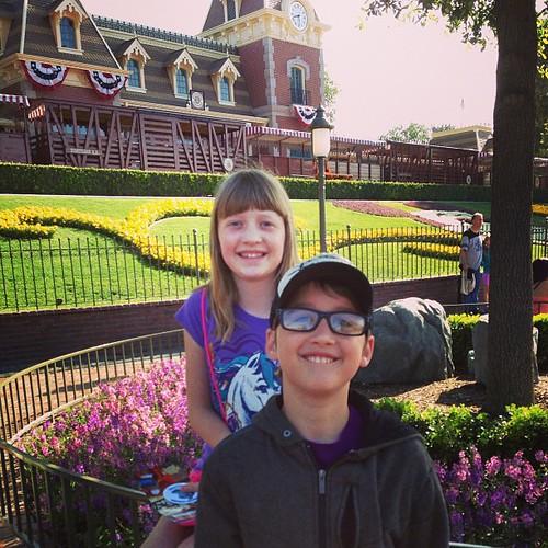 Disneyland kids