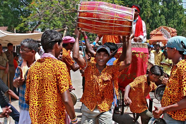 Sital_Sasthi_dancers_leopard_print_drum