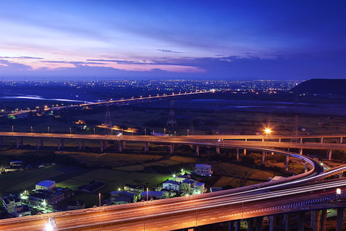 bridge night sunrise canon landscape highway cloudy taiwan getty taichung express 台灣 建築 風景 gettyimages interchange 台中 清水 攝影 交流道 國道 三號 四號 5d2 清水交流道 chingshuei hybai
