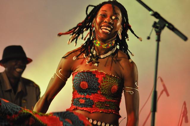 Fatouma Diawara (Africa Express) by Pirlouiiiit 19102013