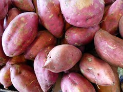 potato(0.0), plant(0.0), vegetable(1.0), produce(1.0), food(1.0), root vegetable(1.0), tuber(1.0),