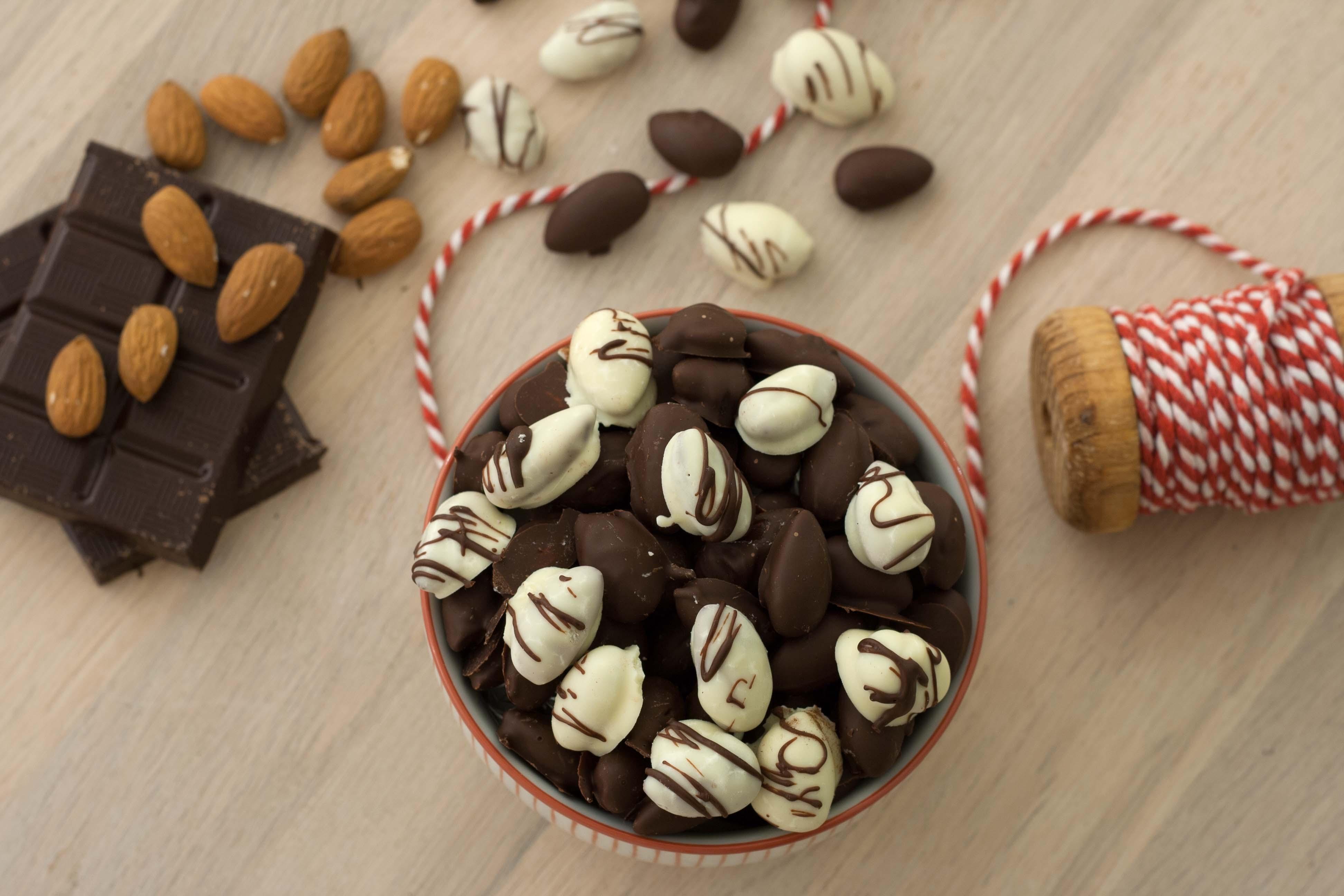 opskrift hjemmelavede ristede chokolademandler
