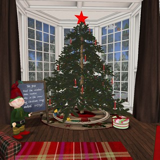 Holiday Home Tour: LR Main Christmas Tree