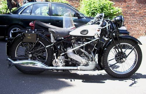 800px-Triumph_(TWN)_1929_01