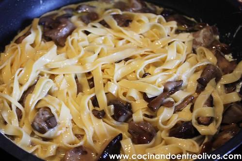 Fritatta de setas y pasta www.cocinandoentreolivos (14)